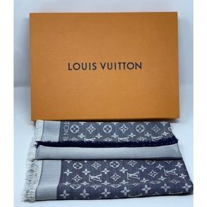 Louis Vuitton monogram denim shawl M71376